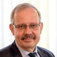 Dr. Dietrich Knapp